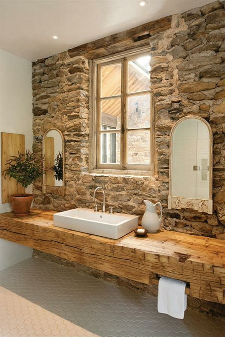 Декор стен ванной комнаты